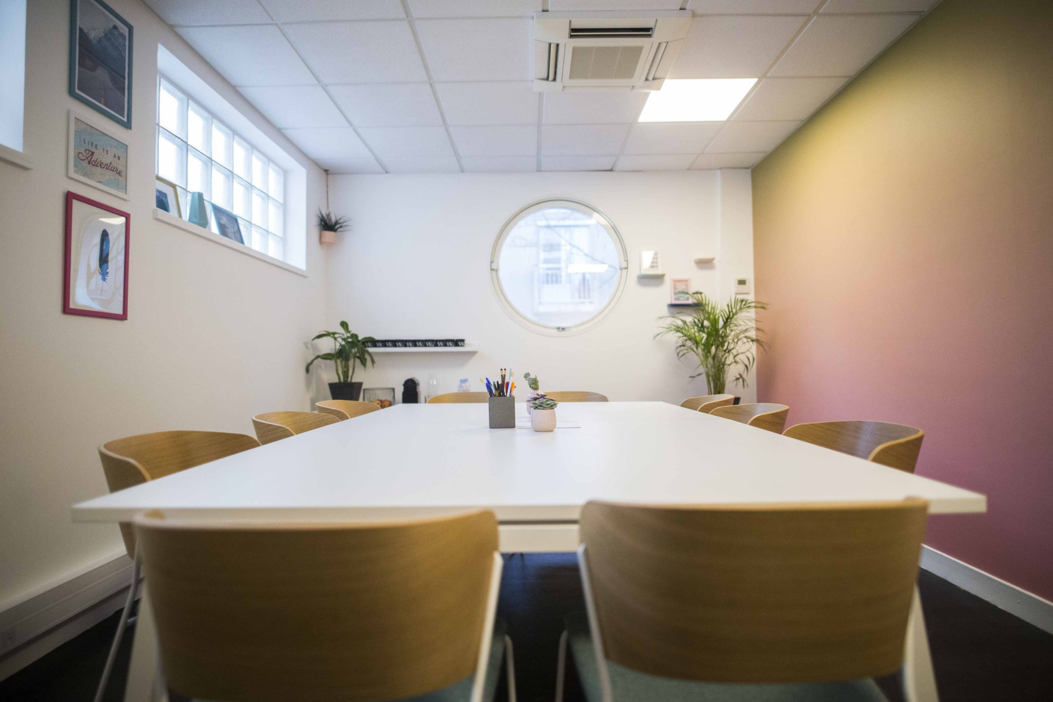 salle de réunion de 12 personnes